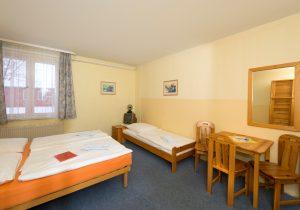 Dreibettzimmer - Pension Schwalbenweg nahe Flughafen Schönefeld